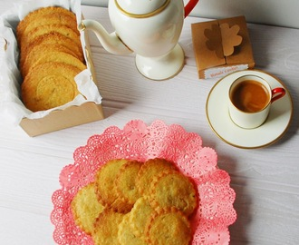 Rosemary and lemon wafers / Bolachas de limão e alecrim.
