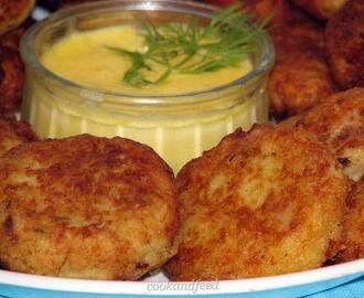 Newfoundland Cod Cakes With Sauce Hollandaise/Μπακαλιαροκεφτέδες Με Σάλτσα Hollandaise