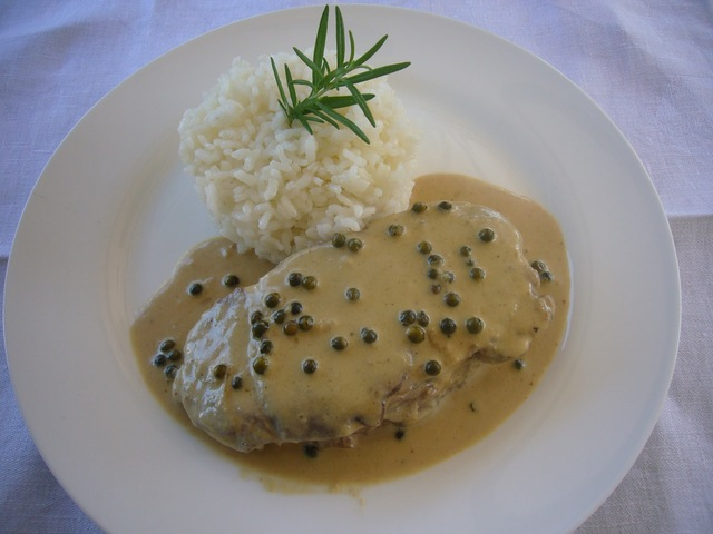 FILET DE VEDELLA AL PEBRE VERD - BEEF TENDERLOIN IN BLACK PEPPER SAUCE