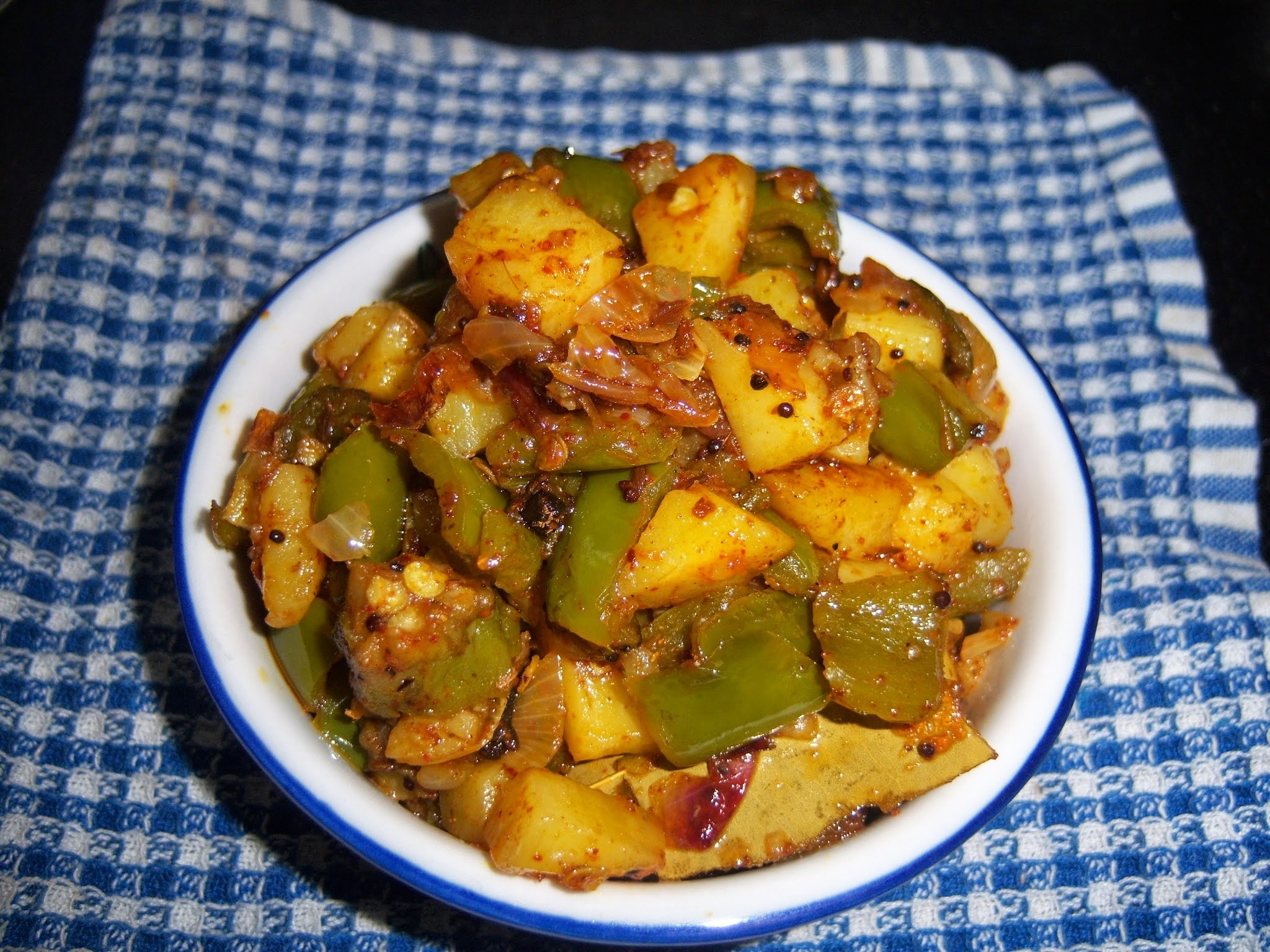 Aloo Capsicum Curry || Potato Capsicum Curry