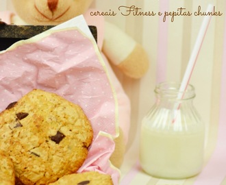 Cookies de cereais Fitness e pepitas de chocolate chunks
