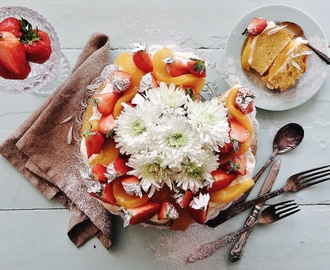 Midsummer Cake with Fruits & Cream Cheese Filling
