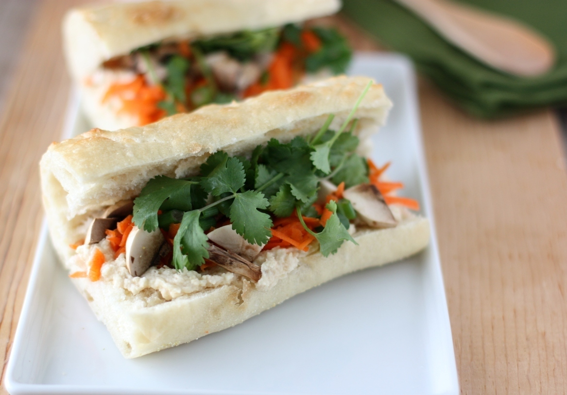 Hummus Sandwiches with Carrot and Cilantro