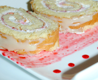 Go Cooking: Raspberry Cheesecake Roll