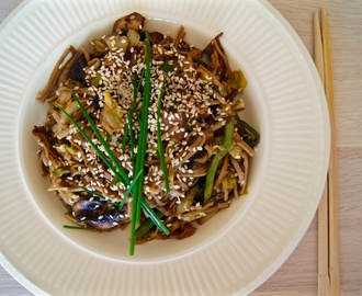 Asian wok with soba noodles