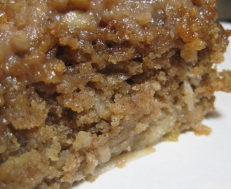 Oatmeal Cake with Pears
