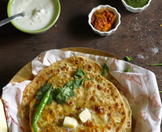 Aloo Parantha/ Alu Parontha/ Indian flatbread stuffed with a delicious potato filling