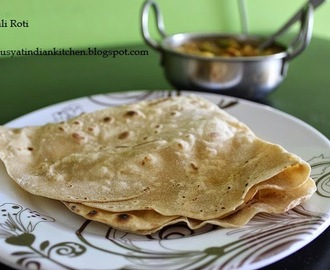 Rumali Roti  ( With Step-Wise Pictures)