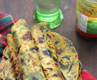 Palak Ka Thepla: Spinach Flat Indian Bread