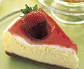 Mascarpone Cheesecake with Rhubarb Glaze and Chocolate-Covered Strawberries