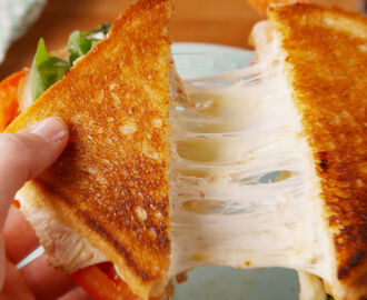 Caprese Chicken Grilled Cheese Sandwich
