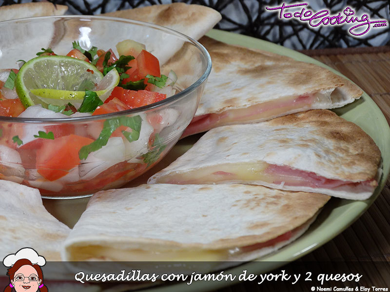 Quesadillas de york y queso con pico de gallo