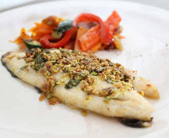 Filetto di branzino in crosta di pistacchi