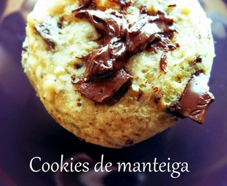 Cookies de manteiga de amendoim com pepitas de chocolate (sem manteiga) / Chocolate chips & peanut butter cookies (butter free)