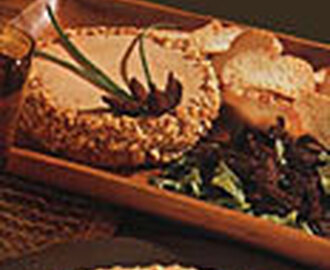Chicken Liver Pâté with Figs and Walnuts
