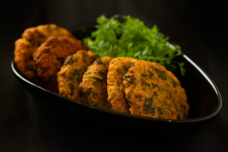 Bhaji Vada : lentil and vegetable fritters