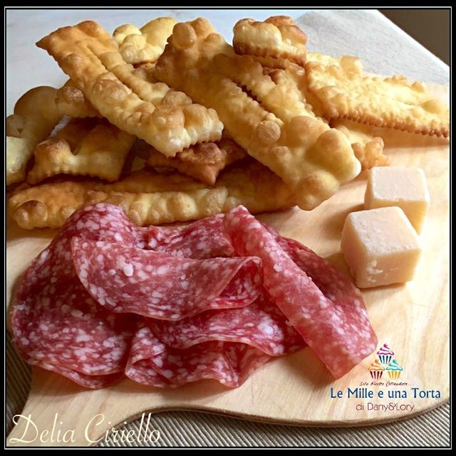 CHIACCHIERE SALATE -
