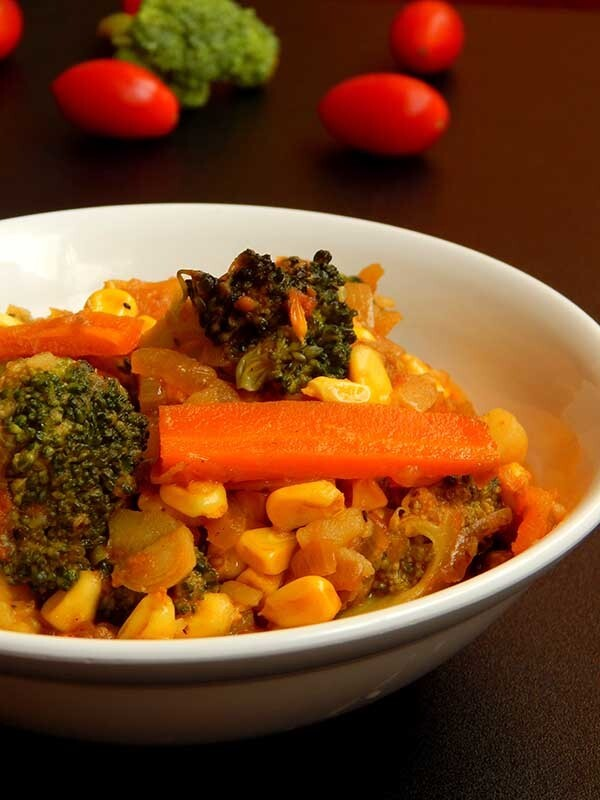 broccoli carrot and corn masala curry