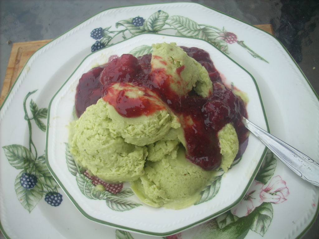 Avocado Ice cream with strawberry sauce