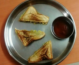 Aloo Sandwich Toast\ Spicy Potato Grill