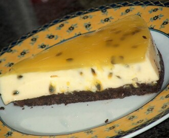 CHEESECAKE DE MARACUJÁ E CHOCOLATE