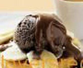 TOASTED WAFFLES WITH BANANA, ICE-CREAM & CHOCOLATE HAZELNUT SAUCE