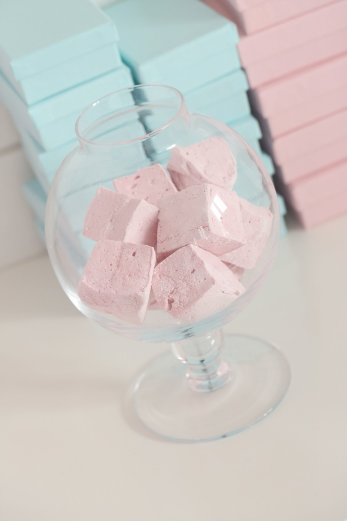 Super soft and delicious raspberry marshmallows
