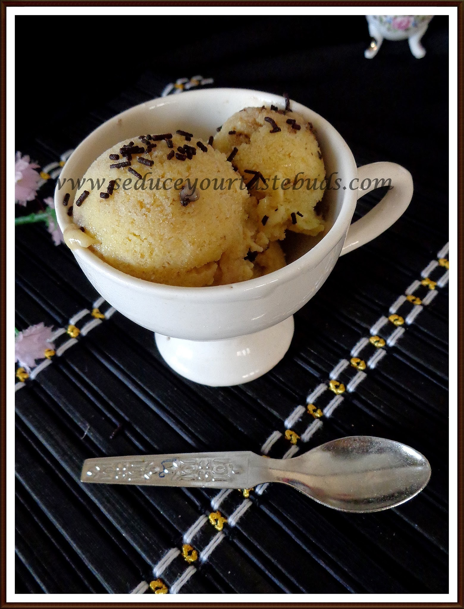 Eggless Custard Powder Icecream