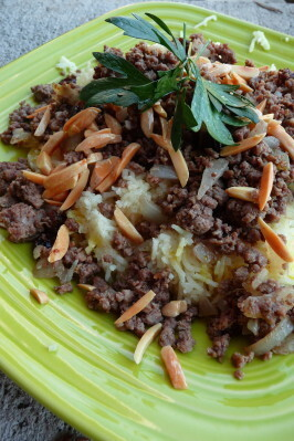 Timman Z'affaran (Iraqi Saffron Rice With Meat)