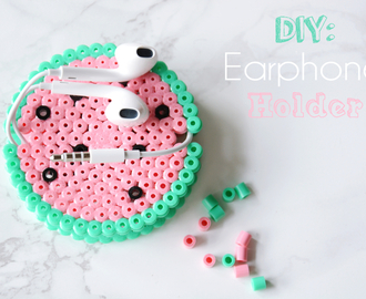 DIY: Earphone Holder