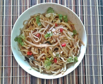 Spicy Thai Rice Noodle Salad Recipe