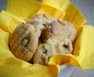 Galletas de mantequilla de cacahuete y pepitas de chocolate