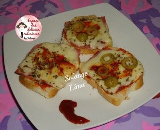 Mini-pizza no pão caseiro