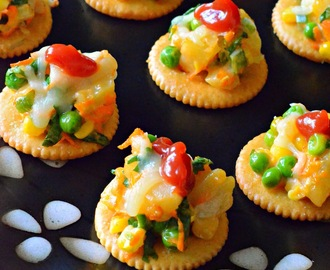 Biscuit Canapes With Vegetable Topping | Monaco Canapes Recipes| How To make Biscuit Canapes?