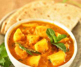 Potato Mint Tomato Curry