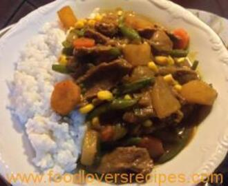 BEEF CURRY WITH COCONUT RICE