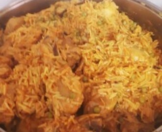 AKHNI – SPICY RICE WITH MEAT OR CHICKEN
