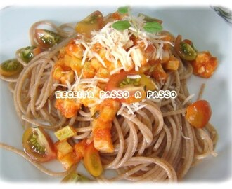 Espaguete Integral com Molho de Palmito e Abobrinha / Whole Grain Spaghetti with Palm Cabbage and Zucchini Sauce