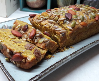 Pumpkin bread with raisin & rosmary salted nuts