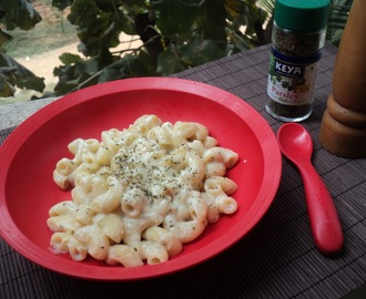 Pasta in Creamy Cauliflower Sauce (Low Calorie Recipe)