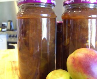 Nectarine and Pineapple Chutney