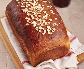 Whole Wheat Honey Oatmeal Bread #BreadBakers