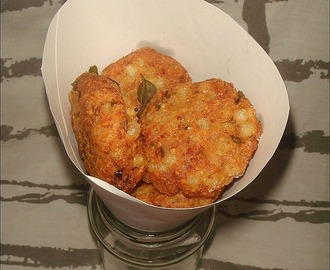 Sabudana / Sago / Javvarisi Vadai ~ A guest post for Sumanarthy's Kitchen | Navrathiri Vrat Recipes