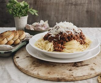 Perfect Spaghetti Bolognese (Family Approved)
