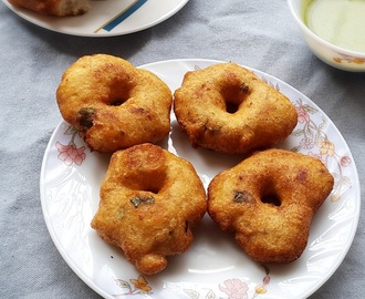Medu vada recipe – South Indian crispy lentil doughnuts