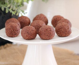 Healthy Chocolate Mint Bliss Balls