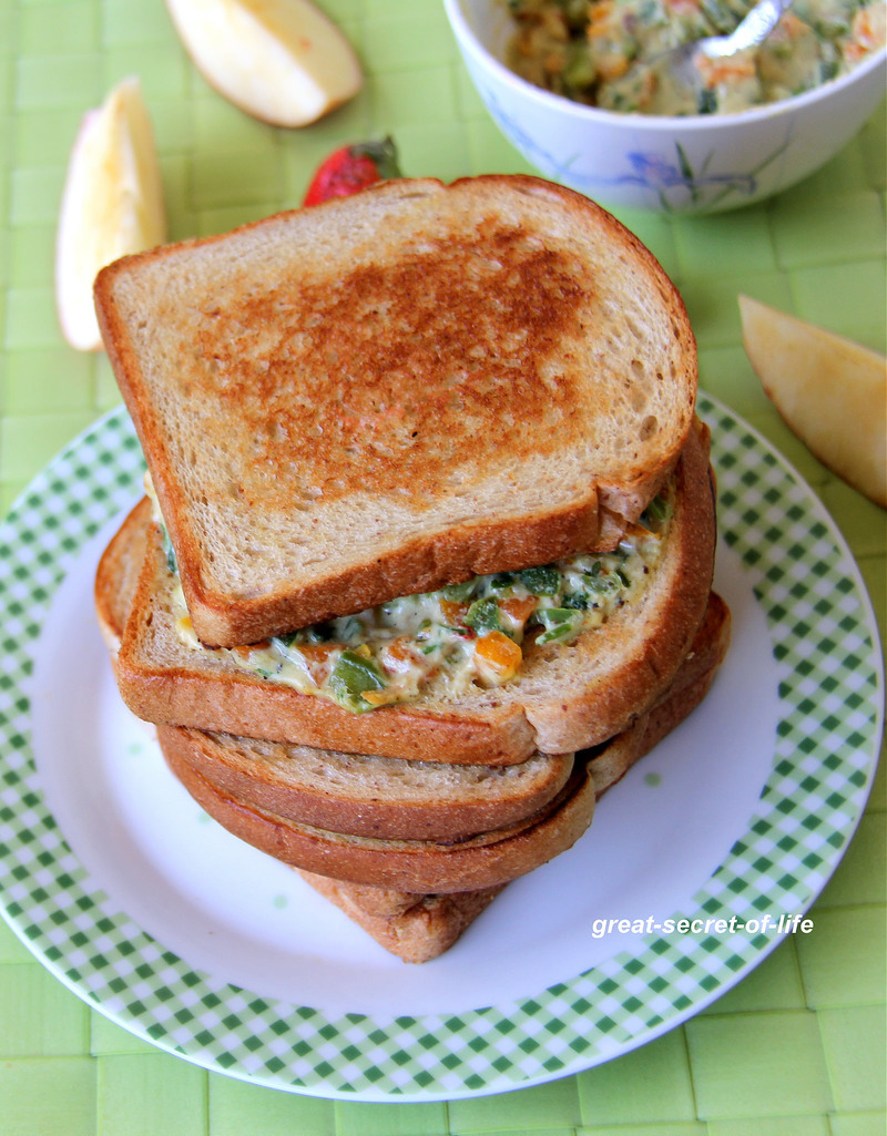 White Sauce Bread sandwich - Bread sandwich recipe - Kids friendly recipe