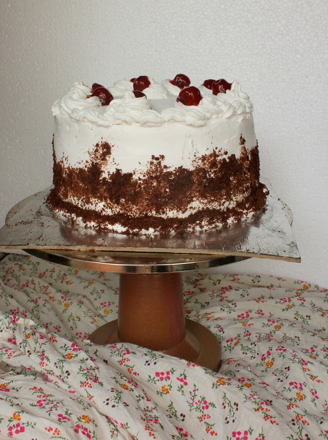 A couple of birthdays, a colossal cake pop failure and a fantastic Black forest cake