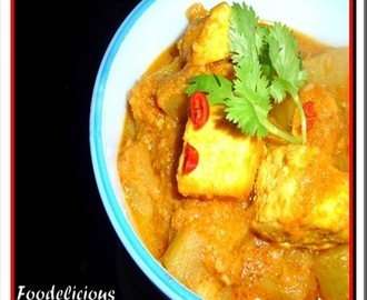 Bottle Gourd and Cottage Cheese Curry