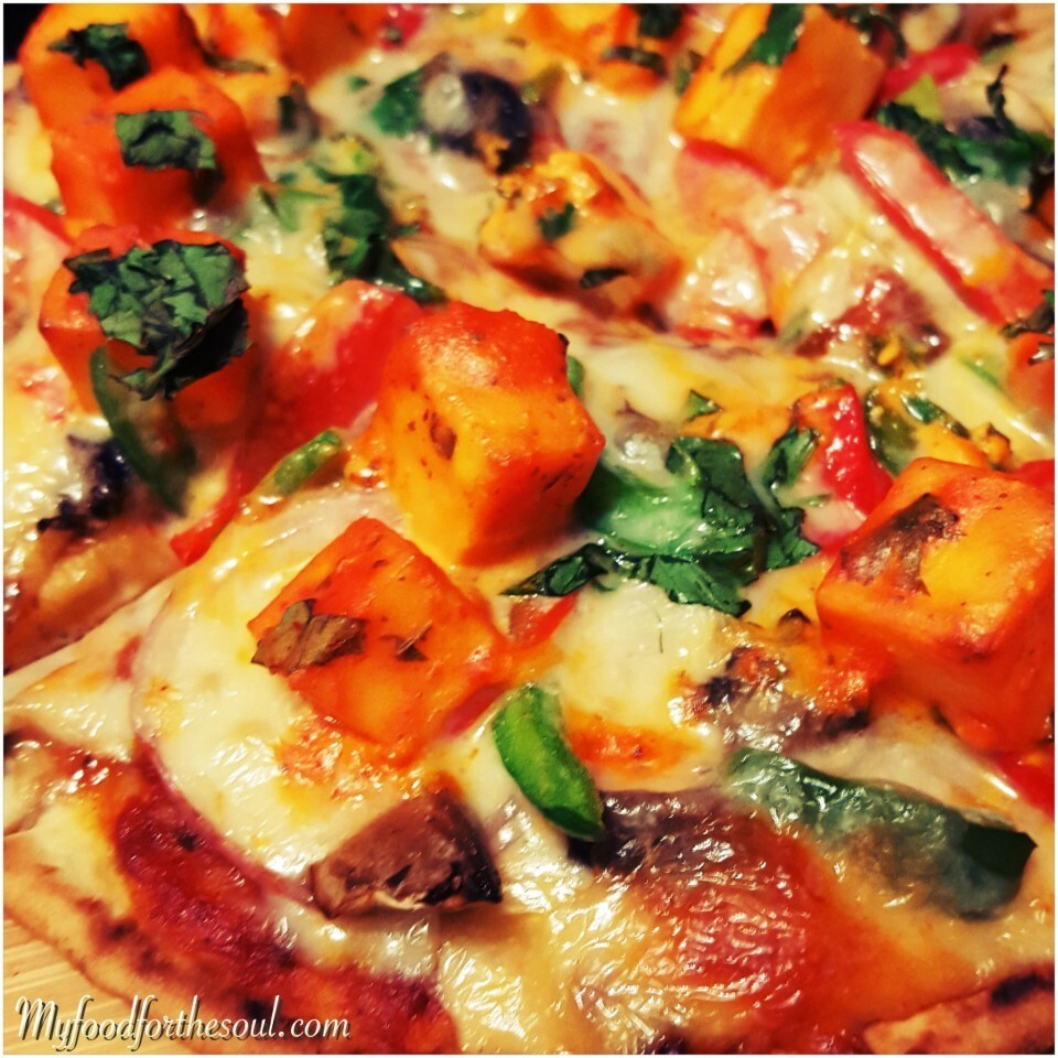 Marinated Paneer Naan Pizza